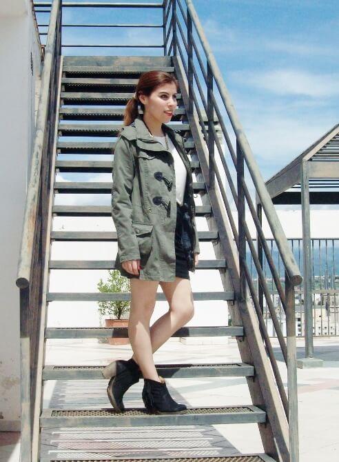 parka-black-mini-booties-white-tee-streetstyle01
