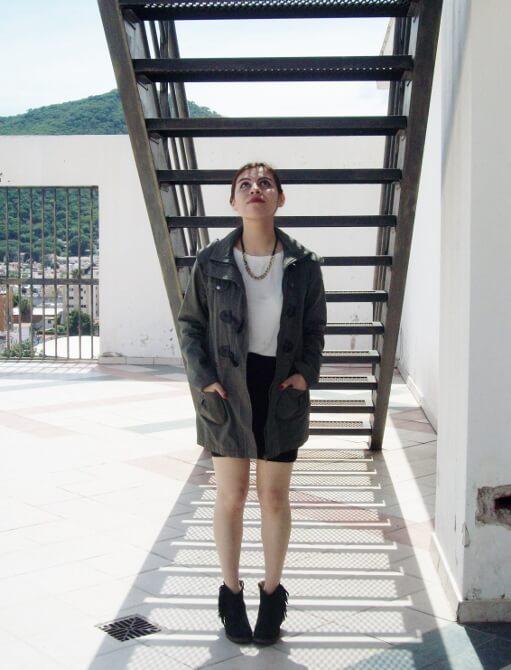 parka-black-mini-booties-white-tee-streetstyle06