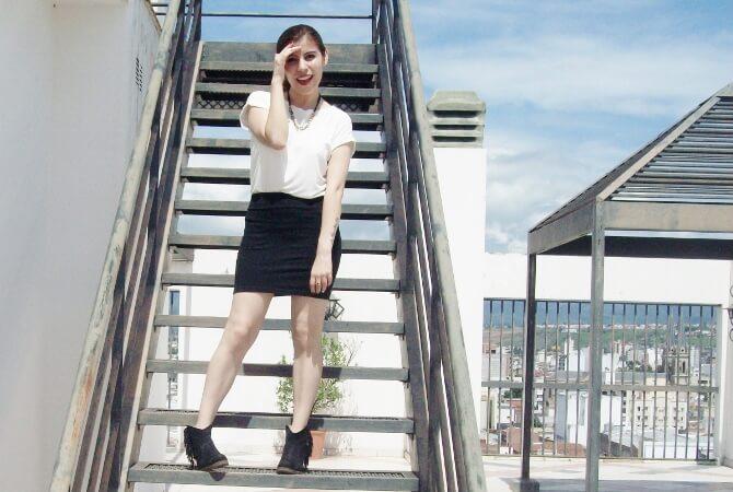 parka-black-mini-booties-white-tee-streetstyle07