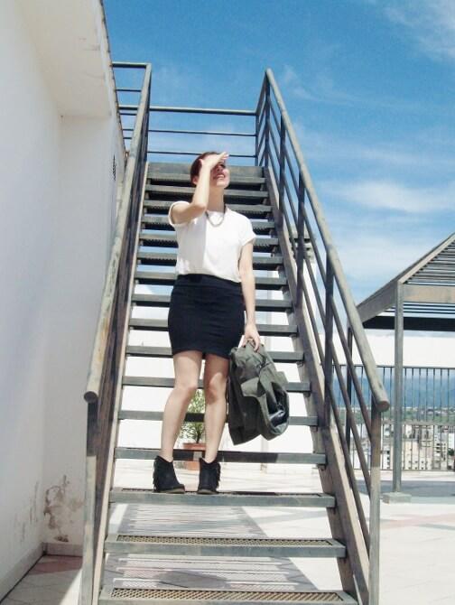 parka-black-mini-booties-white-tee-streetstyle11