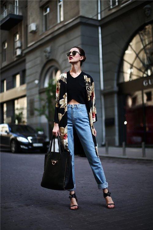 mom-jeans-outfits-5