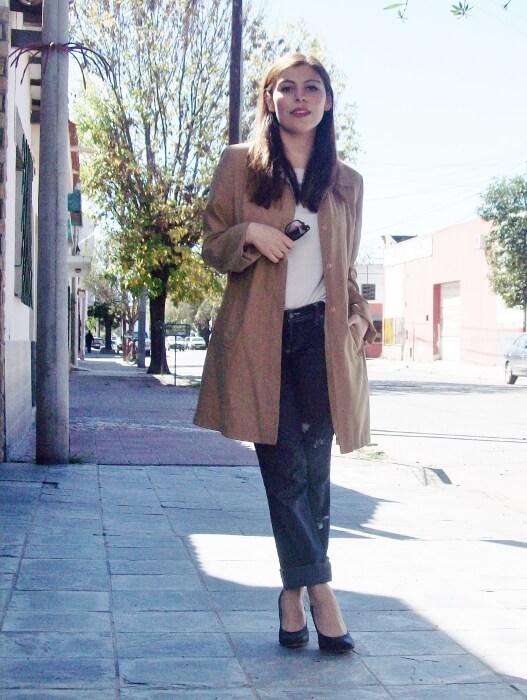 camel-trench-basics-wardrobe-essentials-streetstyle-08