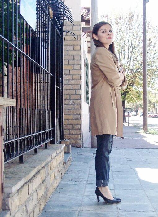 camel-trench-basics-wardrobe-essentials-streetstyle-10