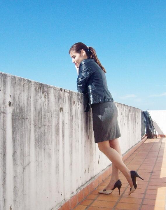 grey-dress-faux-leather-biker-jacket-bicolor-shoes-fall2015-streetstyle02
