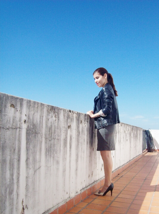 grey-dress-faux-leather-biker-jacket-bicolor-shoes-fall2015-streetstyle06
