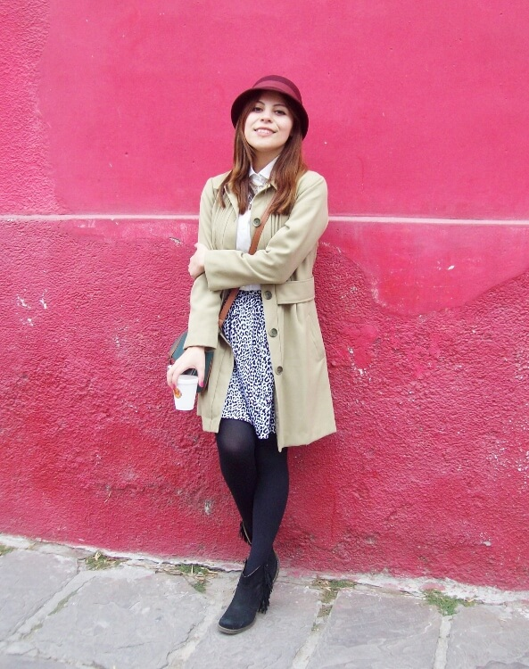camel-coat-printed-skirt-black-tights-burgundy-cloche-hat-winter2015-streetstyle01
