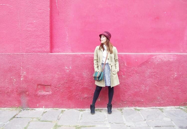 camel-coat-printed-skirt-black-tights-burgundy-cloche-hat-winter2015-streetstyle07