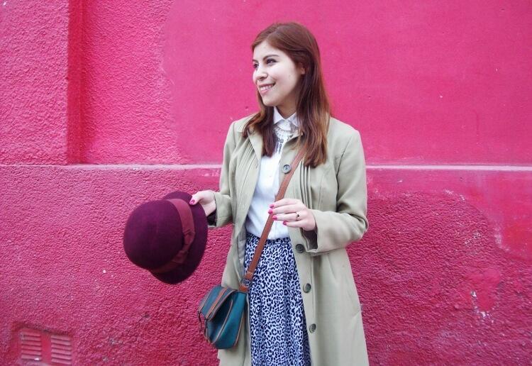 camel-coat-printed-skirt-black-tights-burgundy-cloche-hat-winter2015-streetstyle08