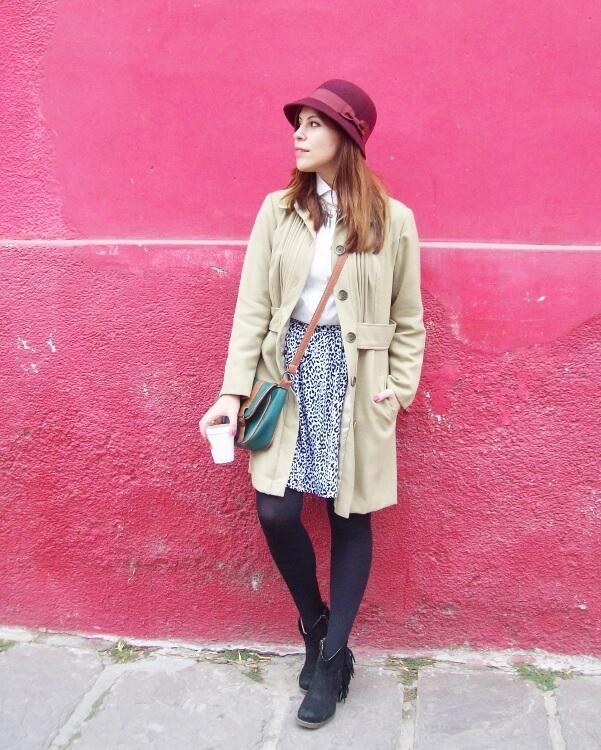 camel-coat-printed-skirt-black-tights-burgundy-cloche-hat-winter2015-streetstyle09