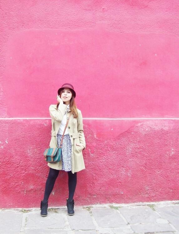 camel-coat-printed-skirt-black-tights-burgundy-cloche-hat-winter2015-streetstyle10