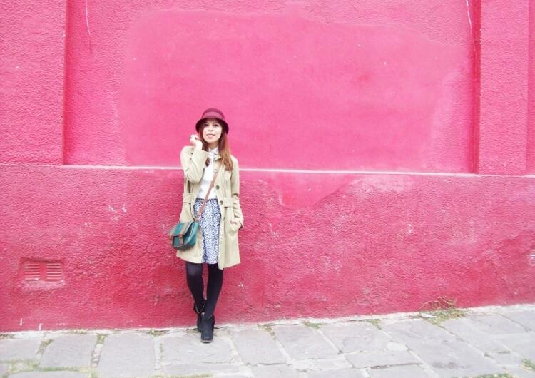 camel-coat-printed-skirt-black-tights-burgundy-cloche-hat-winter2015-streetstyle15