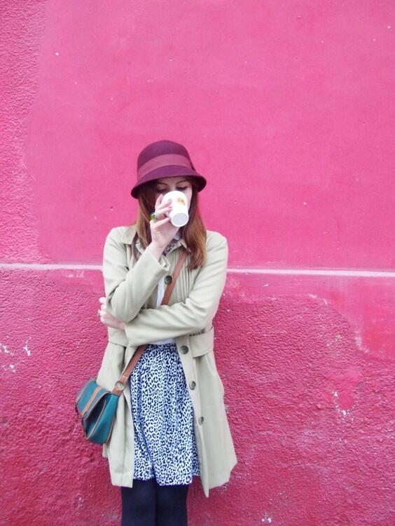 camel-coat-printed-skirt-black-tights-burgundy-cloche-hat-winter2015-streetstyle16