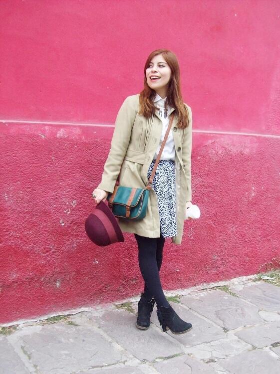 camel-coat-printed-skirt-black-tights-burgundy-cloche-hat-winter2015-streetstyle17