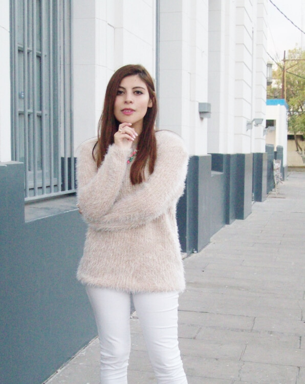 fluffy-mohair-creamy-sweater-winter-white-streetstyle003