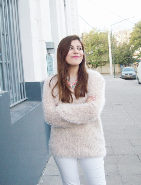 fluffy-mohair-creamy-sweater-winter-white-streetstyle01