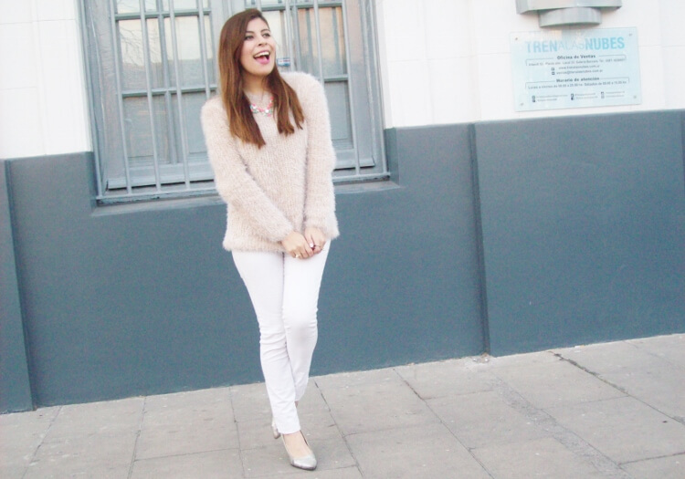fluffy-mohair-creamy-sweater-winter-white-streetstyle04