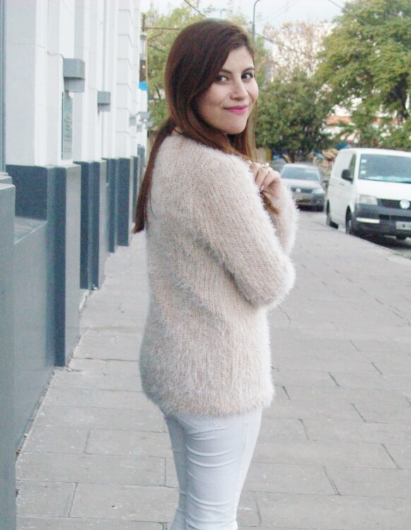 fluffy-mohair-creamy-sweater-winter-white-streetstyle05