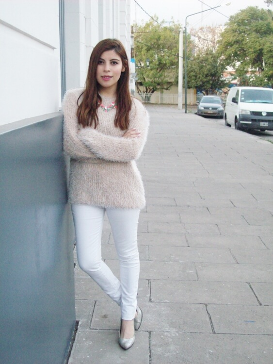 fluffy-mohair-creamy-sweater-winter-white-streetstyle06