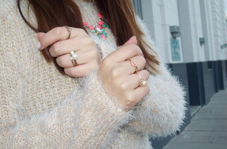 fluffy-mohair-creamy-sweater-winter-white-streetstyle07