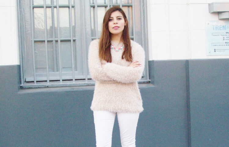 fluffy-mohair-creamy-sweater-winter-white-streetstyle08