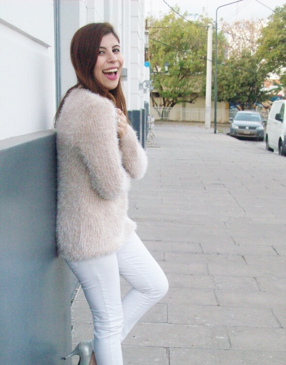 fluffy-mohair-creamy-sweater-winter-white-streetstyle09