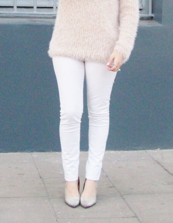 fluffy-mohair-creamy-sweater-winter-white-streetstyle10