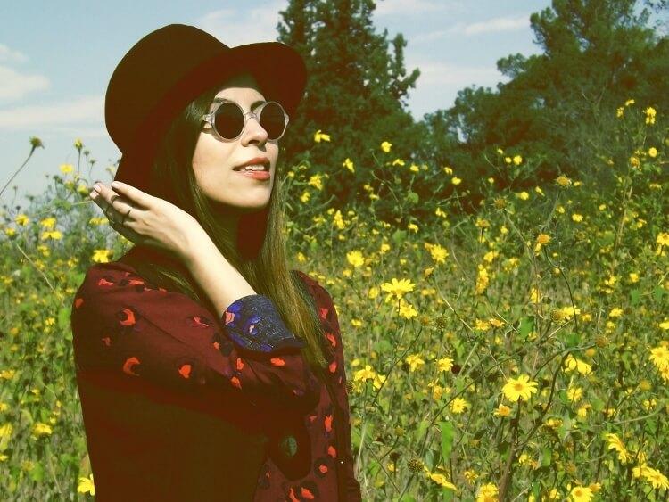 sixties-seventies-boho-hippie-trend-bohemian-dress-stockings-thigh-high-hat-vest-editorial-streetstyle02