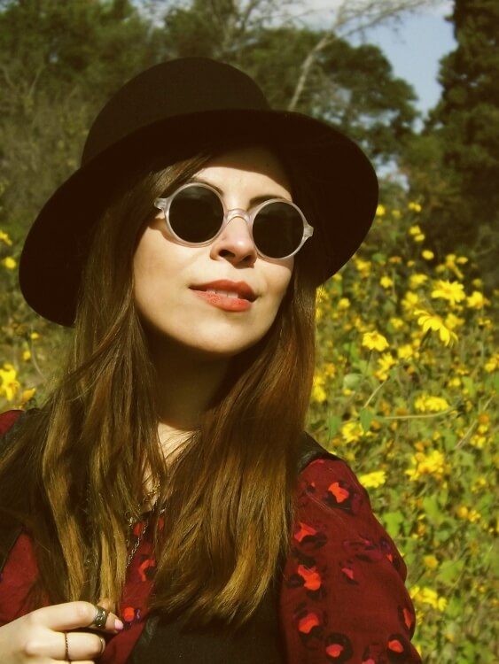 sixties-seventies-boho-hippie-trend-bohemian-dress-stockings-thigh-high-hat-vest-editorial-streetstyle15