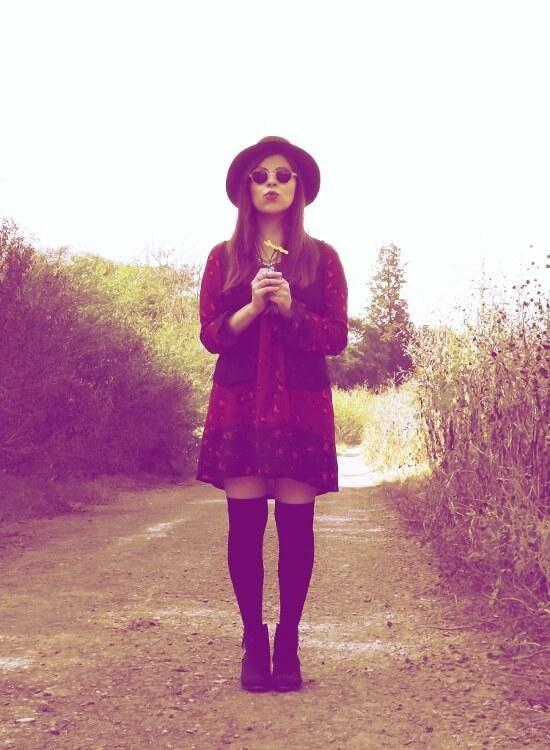 sixties-seventies-boho-hippie-trend-bohemian-dress-stockings-thigh-high-hat-vest-editorial-streetstyle16