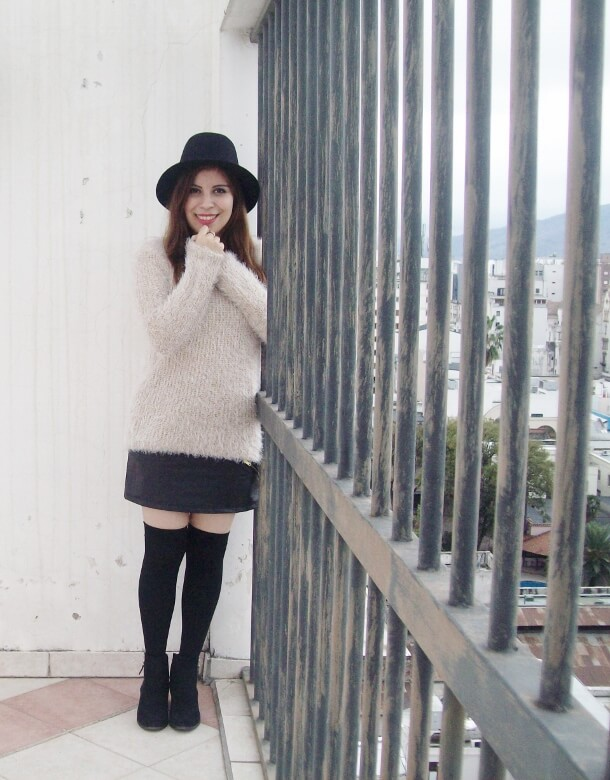 fluffy-cream-sweater-faux-leather-skirt-mini-thigh-high-stockings-fall-winter2015-streetstyle03