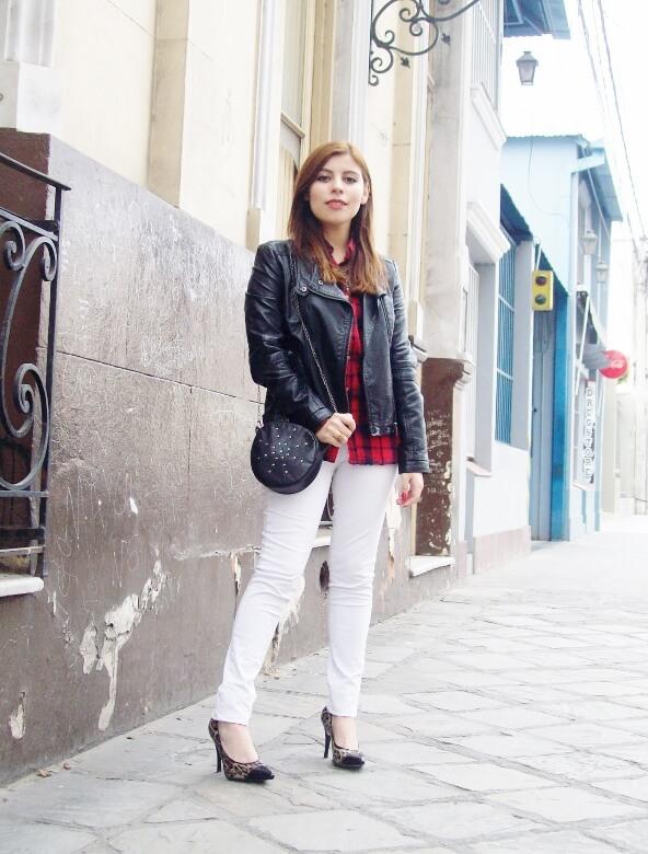 plaid-shirt-biker-white-jeans-animal-print-pumps-mixing-patterns-fall2015-streetstyle-deborah-ferrero10