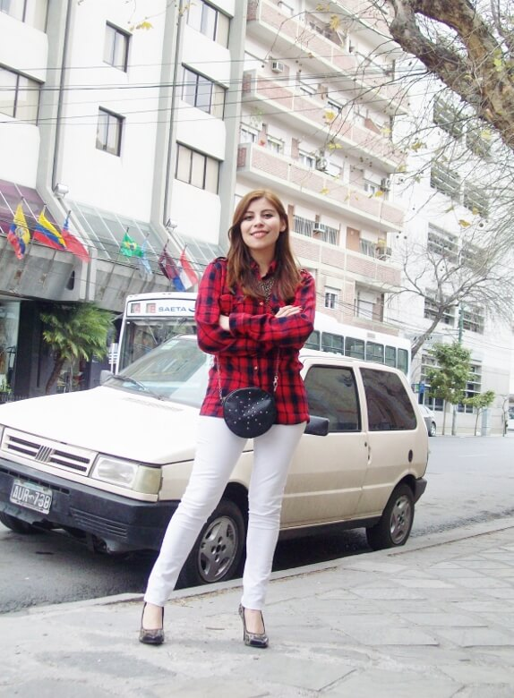 plaid-shirt-biker-white-jeans-animal-print-pumps-mixing-patterns-fall2015-streetstyle-deborah-ferrero11