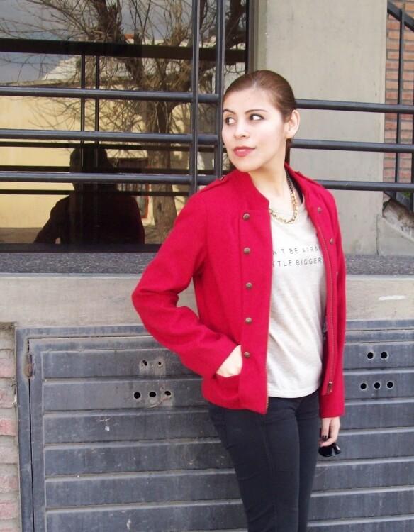 red-jacket-military-inspired-streetstyle-black-skinny-jeans-stilettos03
