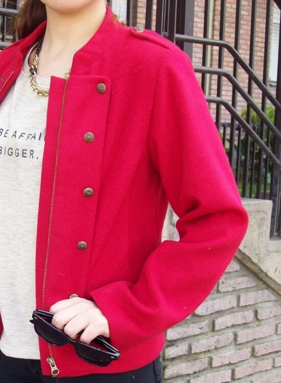 red-jacket-military-inspired-streetstyle-black-skinny-jeans-stilettos14
