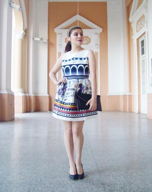 newdress-landscape-printed-fit-and-flare-dress-black-clutch-deborah-ferrero-blog-editorial21