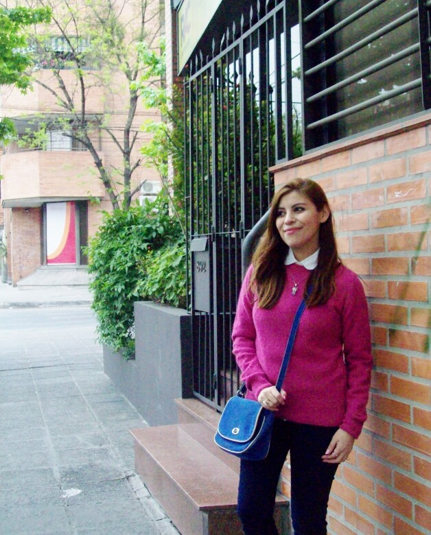 fuchsia-sweater-blue-jeans-color-bocking-streetstyle-ankle-boots04