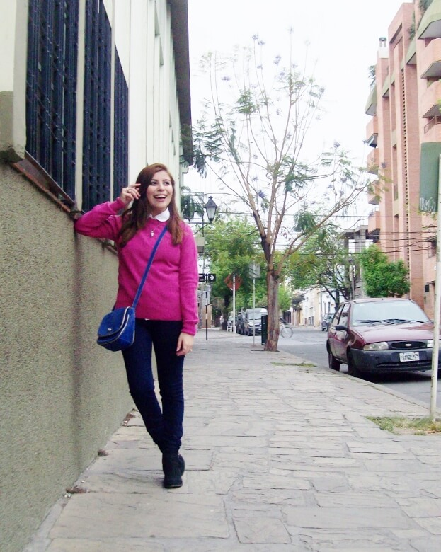 fuchsia-sweater-blue-jeans-color-bocking-streetstyle-ankle-boots05