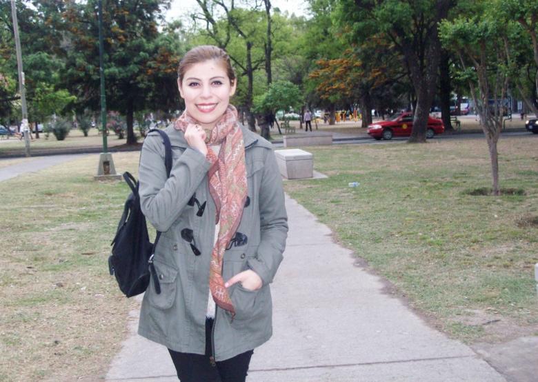 parka-fluffy-sweater-maxi-scarf-olive-military-green-with-orange-streetstyle-deborahferrero-stylebydeb07
