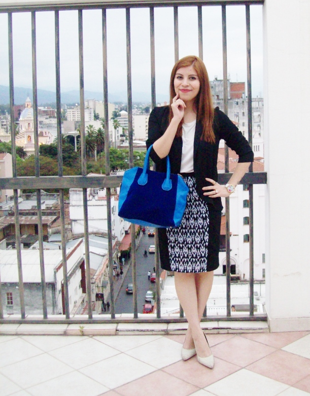 rosegal-cobalt-tote-bag-floral-watch-patterned-pencil-skirt-pr-friendly-fashion-blogger-stylebydeb-deborah-ferrero-streetstyle02