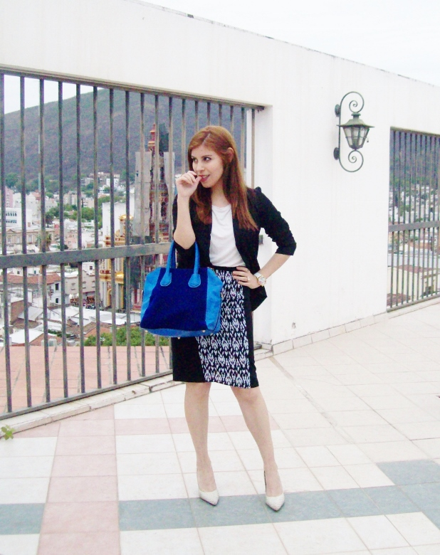 rosegal-cobalt-tote-bag-floral-watch-patterned-pencil-skirt-pr-friendly-fashion-blogger-stylebydeb-deborah-ferrero-streetstyle05