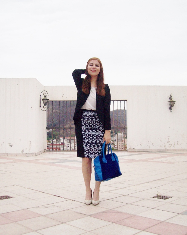 rosegal-cobalt-tote-bag-floral-watch-patterned-pencil-skirt-pr-friendly-fashion-blogger-stylebydeb-deborah-ferrero-streetstyle10