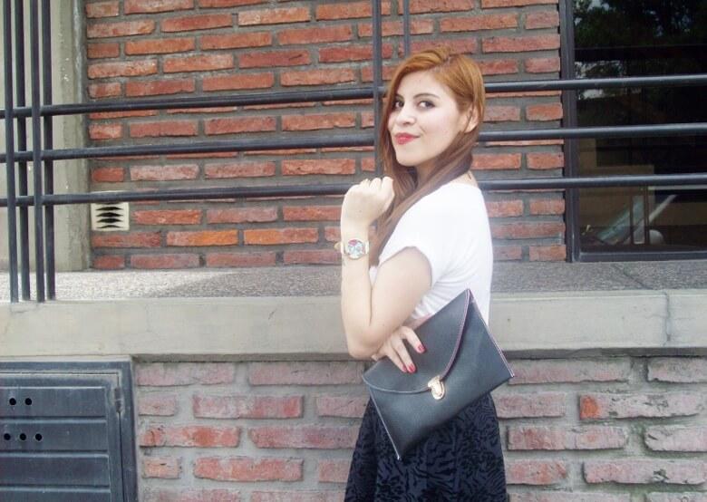 black-and-white-outfit-leopard-print-stilettos-deborah-ferrero-streetstyle-textured-skirt10