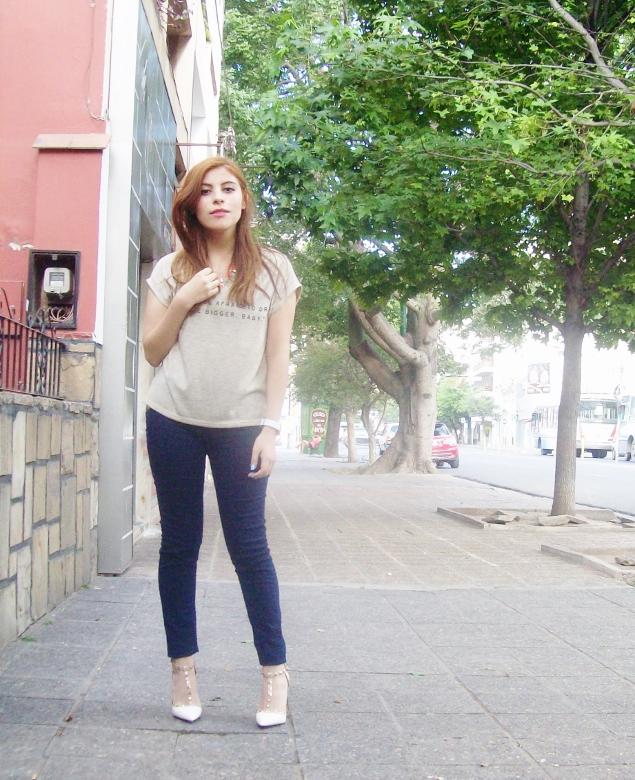 sammydress-white-leather-valentino-rockstaud-pumps-strappy-shoes-stiletto-heel-streetstyle08