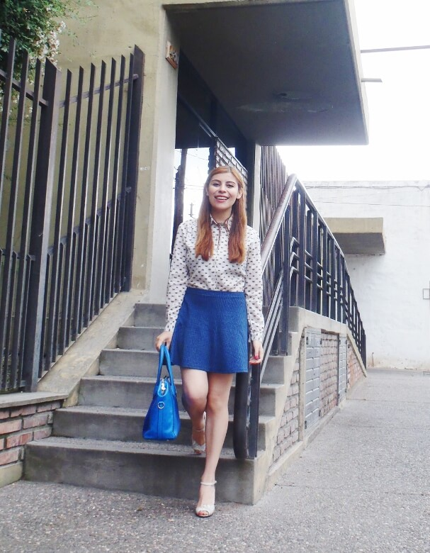 preppy-blue-skater-mini-button-up-shirt-strappy-sandals-rosegal-blue-tote-bag-streetstyle01