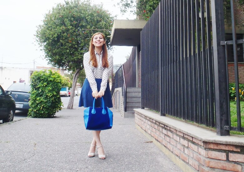 preppy-blue-skater-mini-button-up-shirt-strappy-sandals-rosegal-blue-tote-bag-streetstyle03