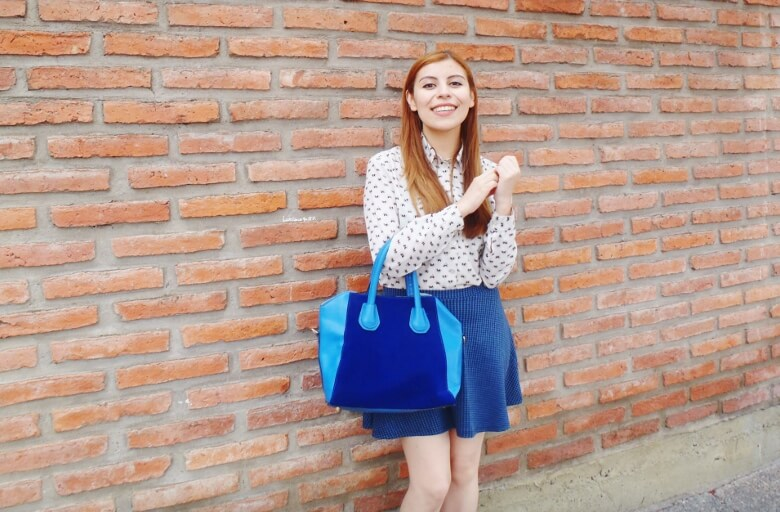 preppy-blue-skater-mini-button-up-shirt-strappy-sandals-rosegal-blue-tote-bag-streetstyle04