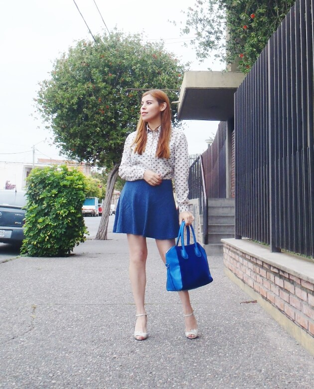 preppy-blue-skater-mini-button-up-shirt-strappy-sandals-rosegal-blue-tote-bag-streetstyle06