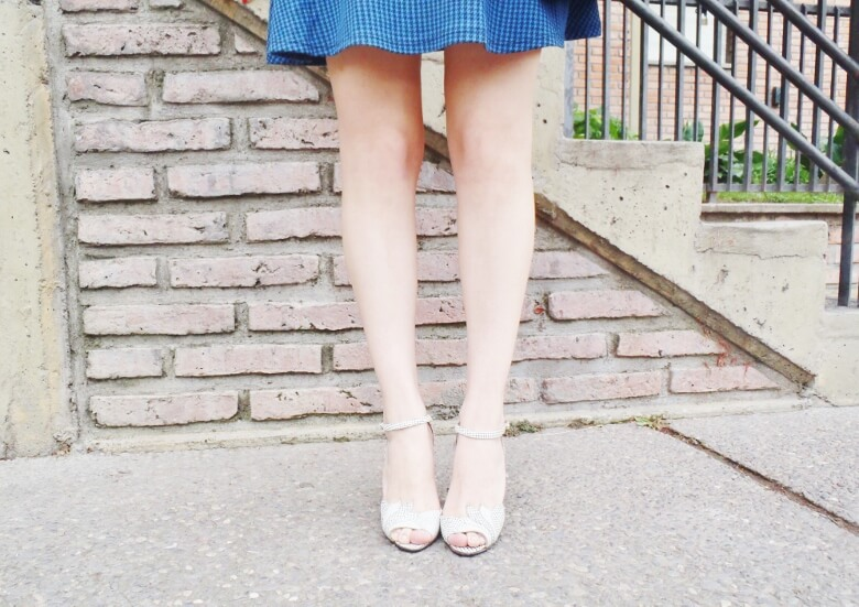 preppy-blue-skater-mini-button-up-shirt-strappy-sandals-rosegal-blue-tote-bag-streetstyle07
