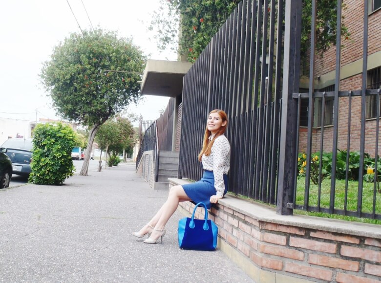 preppy-blue-skater-mini-button-up-shirt-strappy-sandals-rosegal-blue-tote-bag-streetstyle08
