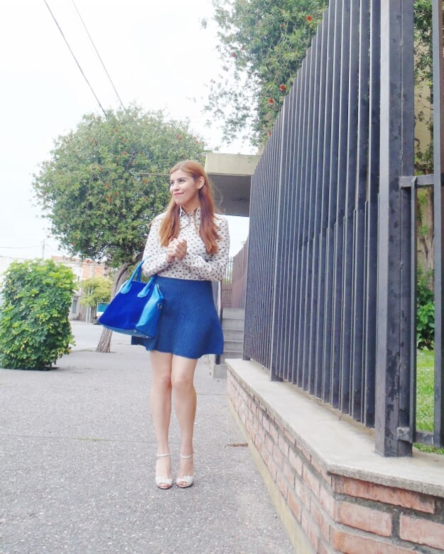 preppy-blue-skater-mini-button-up-shirt-strappy-sandals-rosegal-blue-tote-bag-streetstyle09